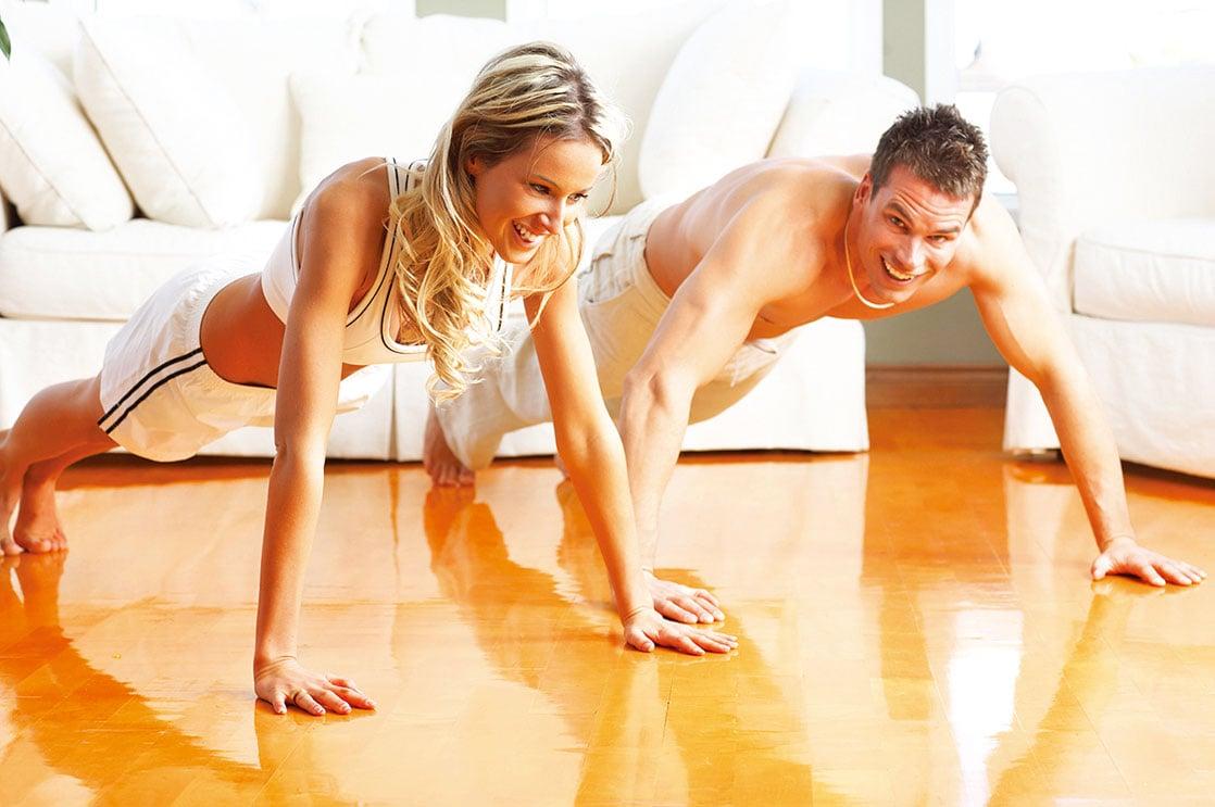 對初學者來說,可以選擇從居家健身開始。