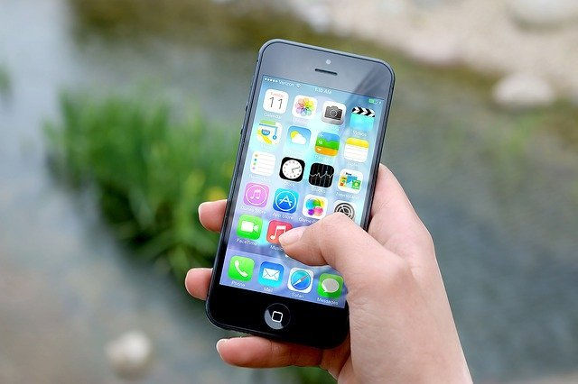 特斯拉提前74年預言智能手機的出現。(pixabay.com)