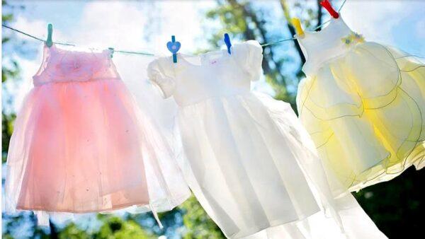 曬衣服。(pixabay)