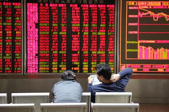 中國經濟脫實向虛  四面楚歌中股市狂歡
