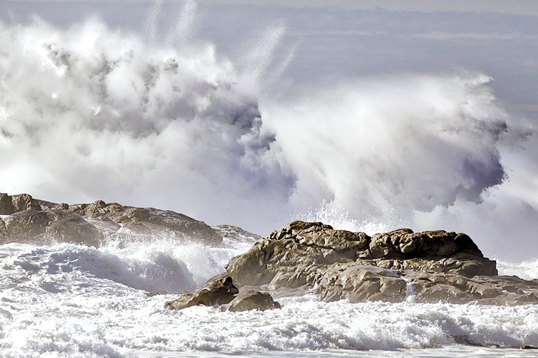 海浪的起落,好似白色的馬鬃翻飛,高高低低,十分壯觀(Fotolia)