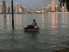 武漢半個城市被淹 官方稱進入一級戰備