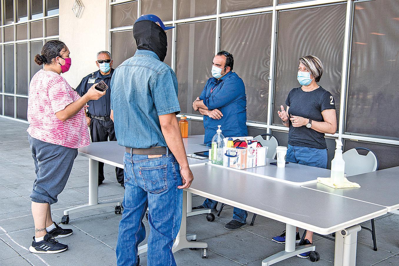 7月2日,德州艾爾帕索(El Paso)一個就業援助處。(Getty Imges)