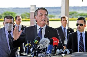 巴西總統染疫 印度連五天單日確診破兩萬