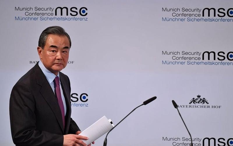 素有「戰狼外長」之稱的中共外長王毅,9日在一個論壇上罕見向美國「放軟話」。示意圖(Johannes Simon/Getty Images)