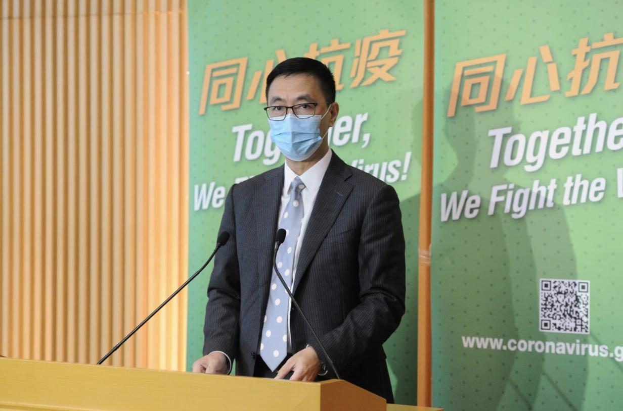 教育局局長楊潤雄今日(7月10)宣佈,全港提早放暑假。(宋碧龍/大紀元)
