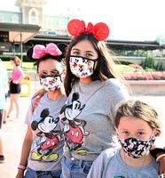 美國單日新增破七萬 佛州迪士尼樂園解封
