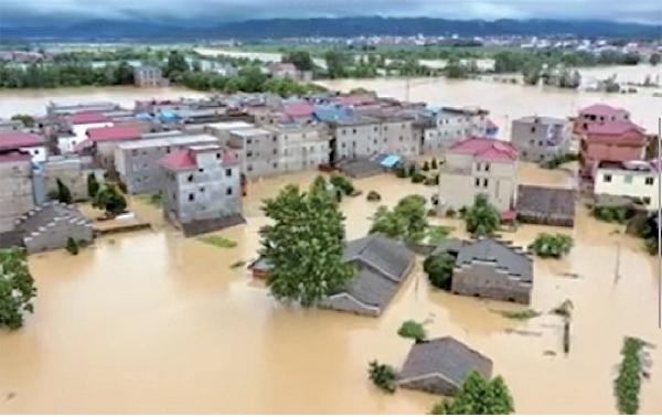█ 江西上饒鄱陽縣遭受特大洪災。(影片截圖)