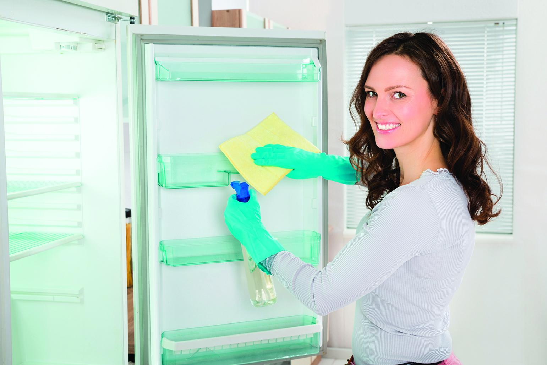 定期清潔冰箱,也能有效抑制異味。