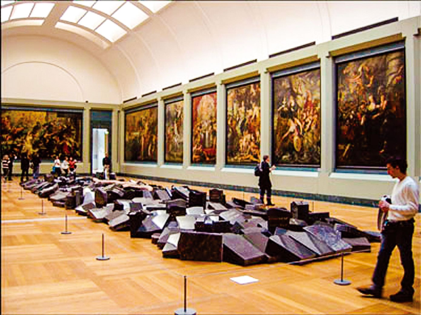 羅浮宮特別為魯本斯所繪製的巨幅系列油畫「瑪麗美迪奇生平」開闢一間專屬展廳。(史多華提供)