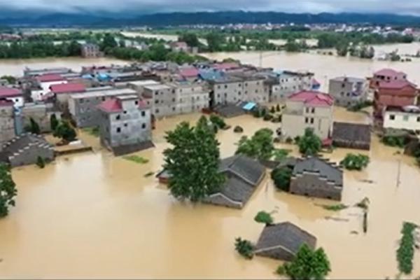 江西村民回憶潰堤瞬間:狂奔五公里 雙腳發抖
