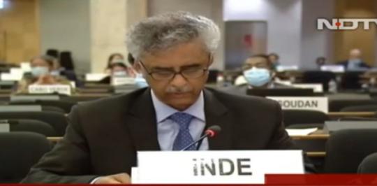 7月1日,印度常駐日內瓦聯合國代表錢德爾公開表示密切關注香港事態發展。(影片截圖)