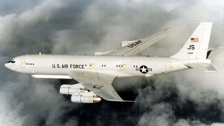 美軍機E-8C抵近偵察廣東 軍艦現身東海逼近浙江