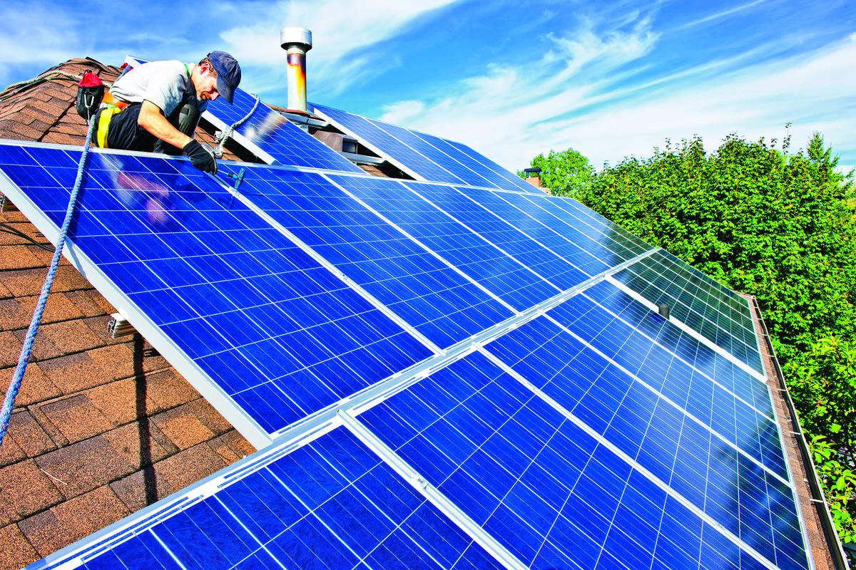 裝設太陽能板能夠有效節省能源。