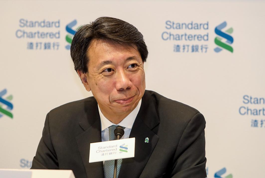 渣打大中華及北亞地區行政總裁洪丕正表示,集團上半年恢復盈利,反映去年公佈的重組策略有進展。(余鋼/大紀元)