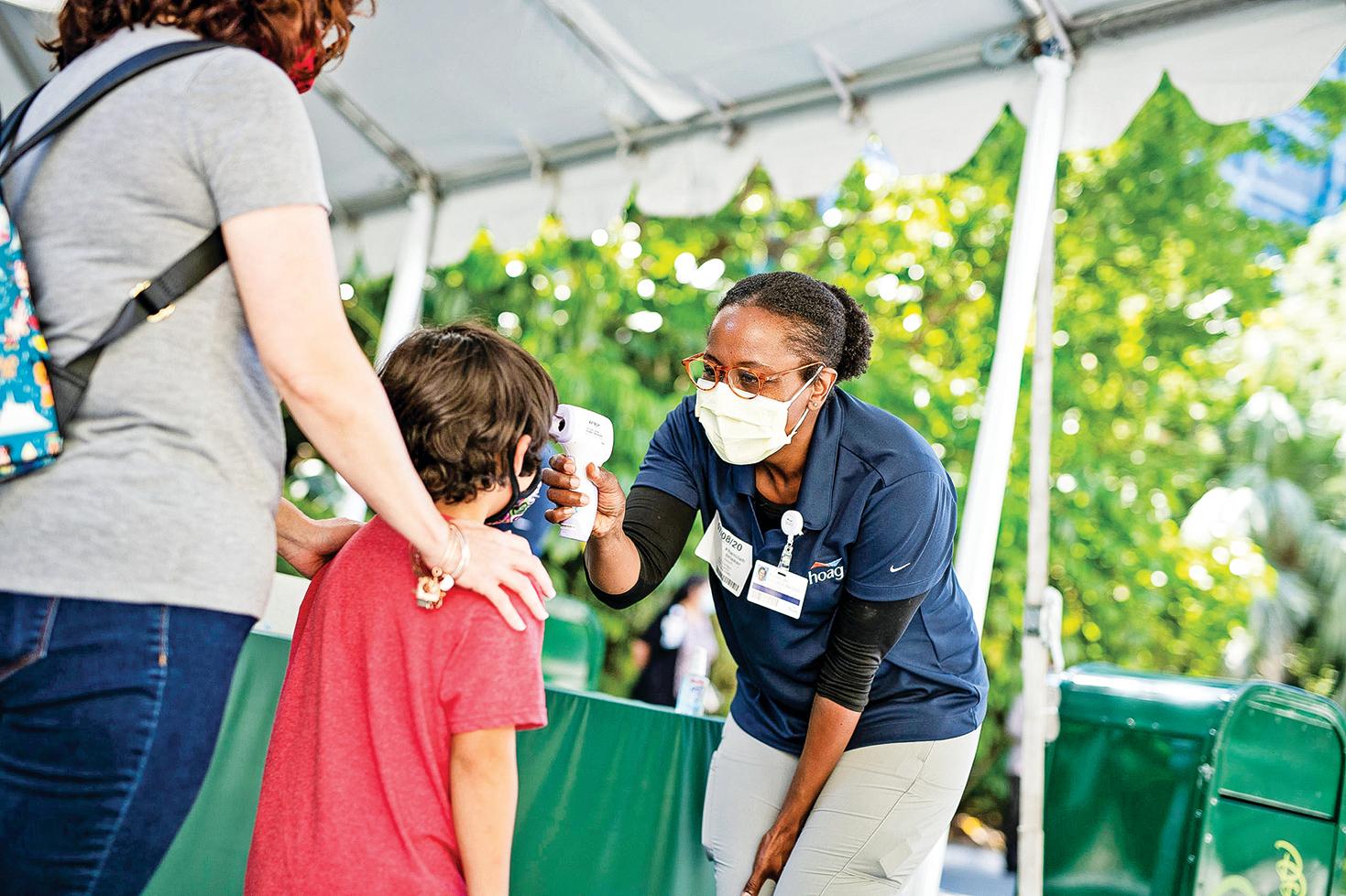 無症狀感染者意味著佩戴口罩將是未來很長一段時間社會的常態。佩戴口罩的主要目的是防止自己感染他人。(Getty Images)