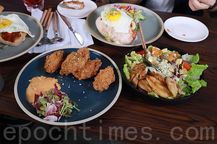 「桔梗」由台灣大廚支援餐點設計,Ivan負責管理推廣,將自己多年來在飲食界打拼的經驗投入其中。(陳仲明/大紀元)