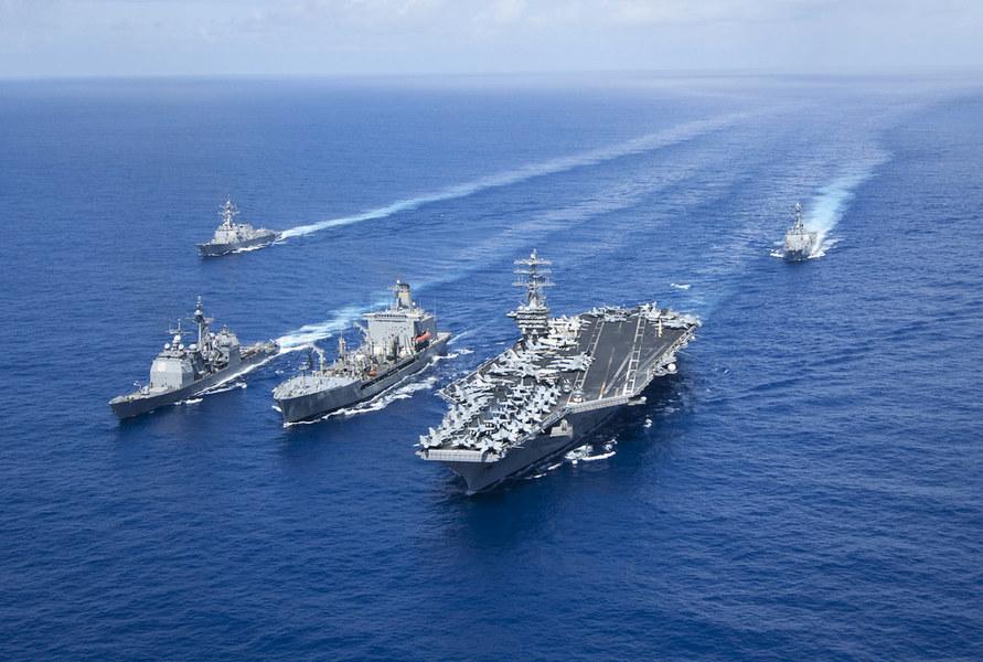 美雙航母南海二度軍演 美軍最先進預警機逼近廣東