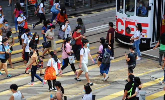 林鄭宣佈 擴大強制戴口罩範圍 堂食限制延長7天