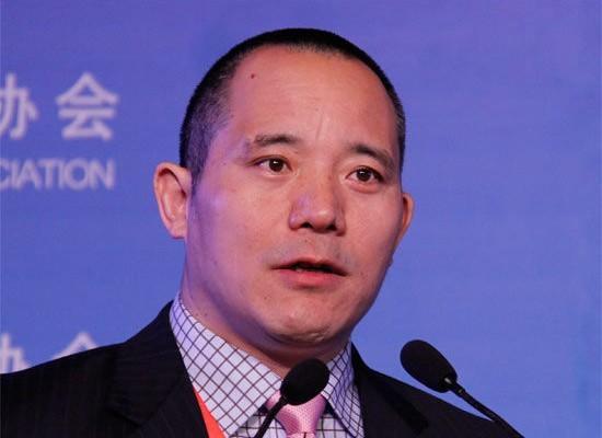 中國人大教授向松祚在公開高峰論壇上說,中國經濟「L型」守不住!中國經濟的整體是一個持續下行的走勢,不是「L型」。(網絡圖片)