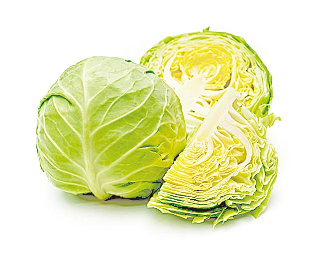 椰菜因為芯部容易腐爛,可用刀尖挖出芯部,塞入浸溼的廚房紙巾提供水份。