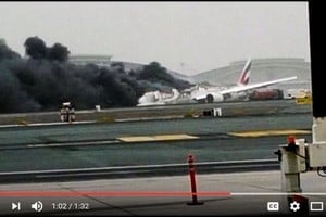 波音777「硬著陸」時著火 1消防員喪生