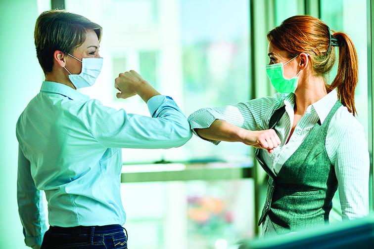 為了避免接觸傳染,人們也發展出新的打招呼方式。