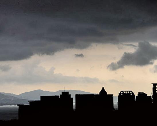 深圳8部門15日出台了8條對樓市的調控政策。圖為深圳一景。(Getty Images)