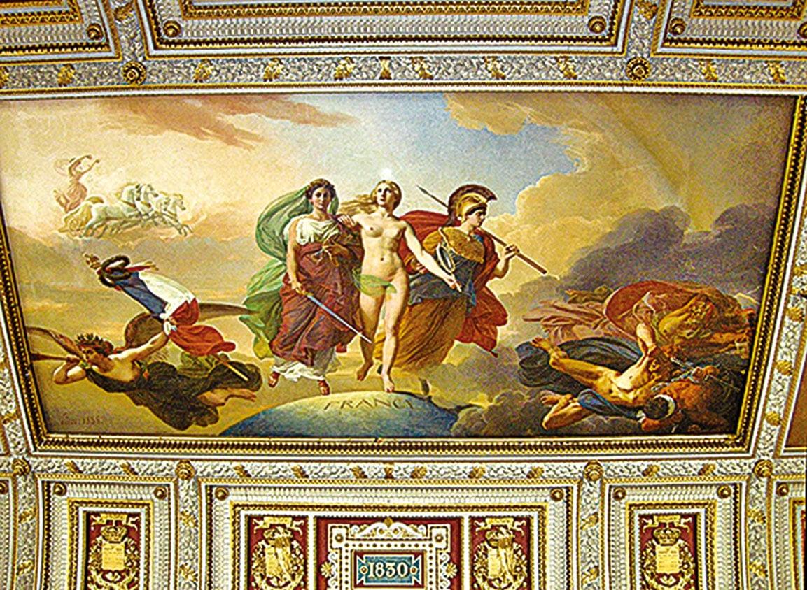 凡爾賽宮的天頂壁畫「法蘭西女神與戰神和正義女神」。(史多華提供)