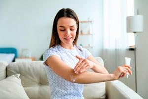濕疹塗擦類固醇有用嗎?反覆使用恐致 類固醇成癮綜合症