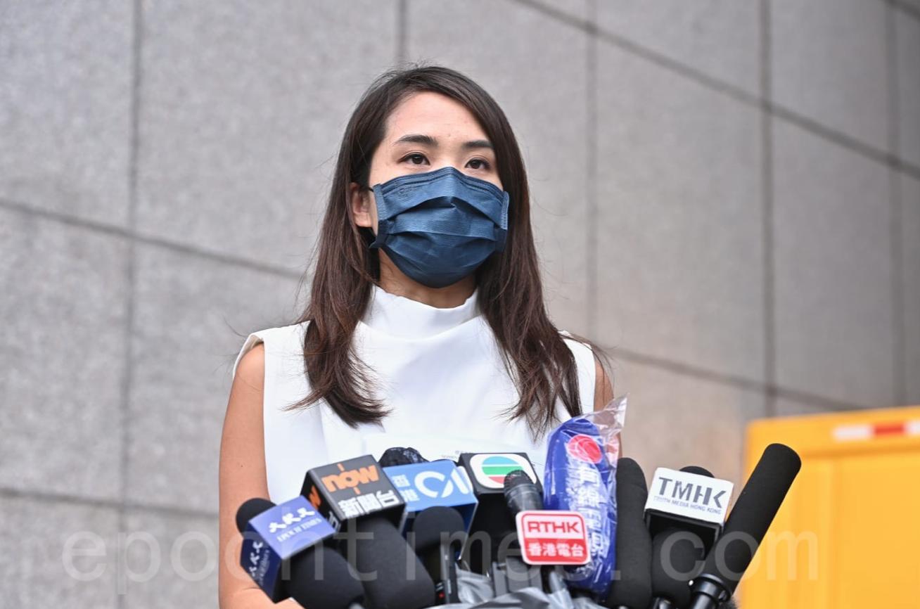何桂藍表示,自己不會簽署確認書。她指,越多參選人不簽,就可以保護其他人,增加取消參選人資格(DQ)的成本。(宋碧龍/大紀元)