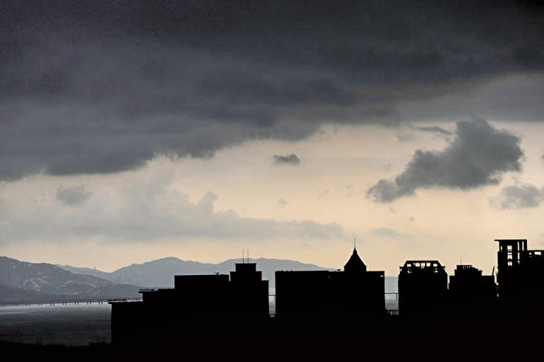 有業內人士認為,大陸樓市即將迎來拋售潮。圖為深圳一景。(Getty Images)