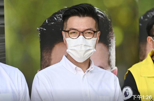 新民主同盟范國威(圖)偕同隊友黎銘澤,正式參選新一屆立法會(新界東)選舉。(宋碧龍/大紀元)