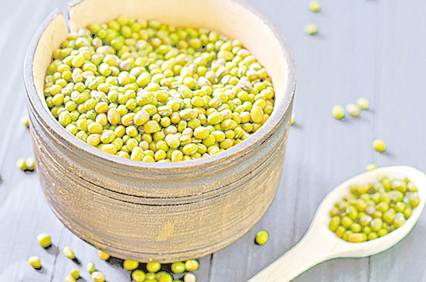 用綠豆煮出清涼爽口的綠豆湯,消暑又能解毒。