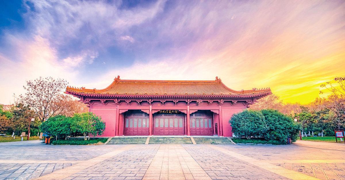 公元1402年七月,燕王朱棣在南郊祭祀天地,正式稱帝,改「明」年號為「永樂元年」。圖為南京明故宮一景。(Shutterstock)