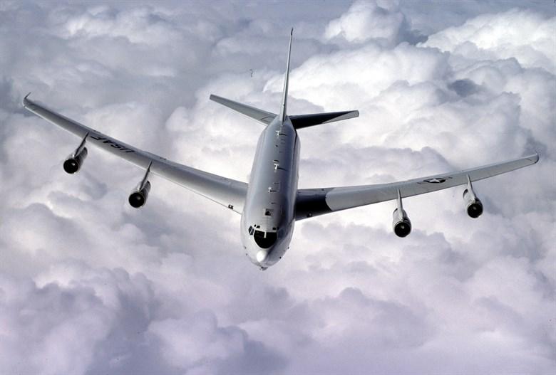 美軍E-8C指揮機(圖)及EP-3E偵察機7月26日先後飛往南海朝廣東飛行。(圖取自美國空軍網頁www.af.mil)