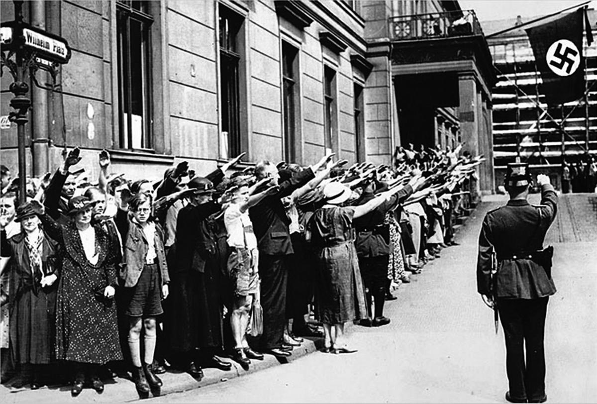 中共對美國的滲透簡直就是照抄納粹德國的作業,但在深度和廣度上卻遠遠超越了希特勒和納粹黨。中共和納粹黨都通過各種組織操縱海外僑民,煽動盲目愛國主義和民族主義。(Getty Images)