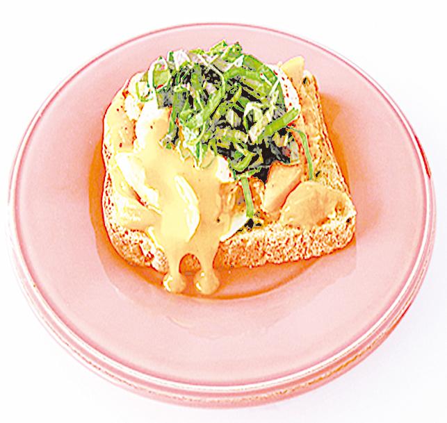 芒果蘊藏豐富的維他命與鉀,搭配半熟蛋和香醇的芝士,非常美味。