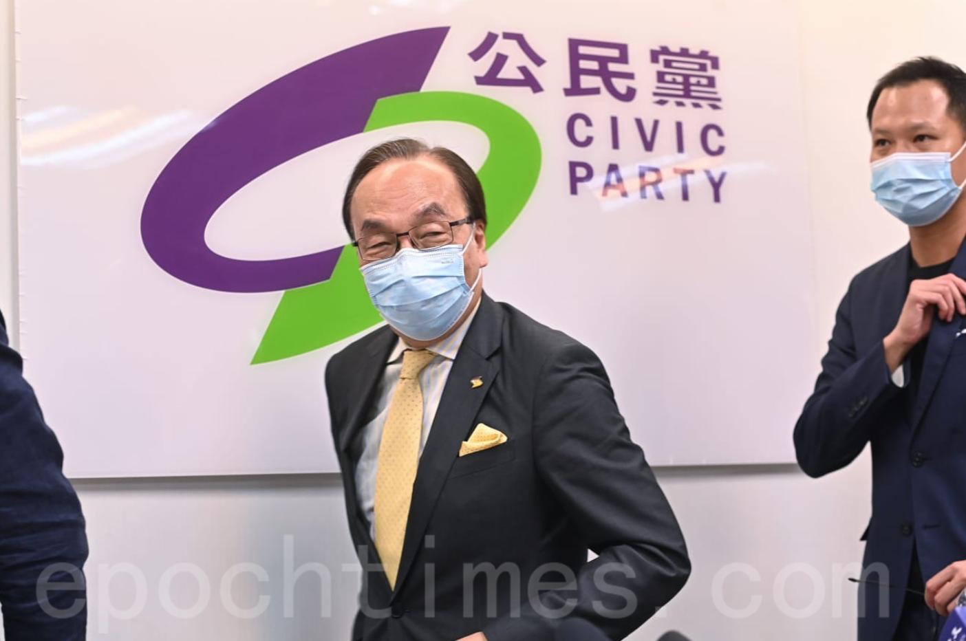 公民黨主席梁家傑,相信其他公民黨參選人都「凍過水」。(宋碧龍/大紀元)