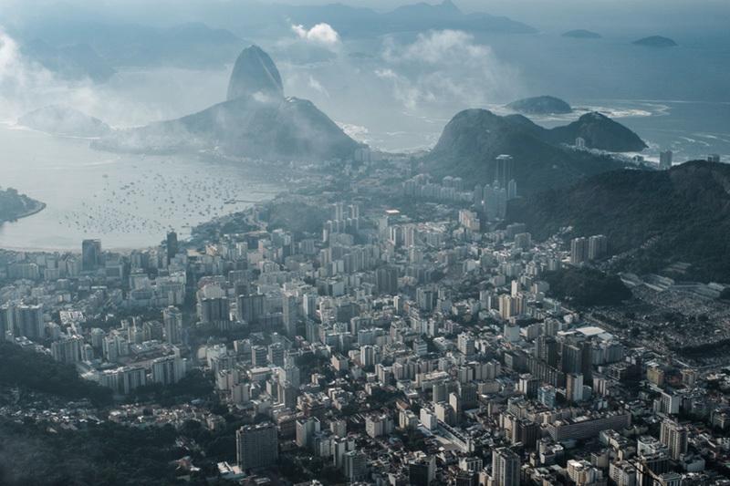 里約熱內盧奧庫卡山和科爾科瓦多。(YASUYOSHI CHIBA/AFP/Getty Images)