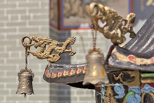 南朝劉宋時的尚書謝晦在任荊州刺史時,認為佛塔和寺廟不應該建在城裏,應該移至城外,遂親自率領手下來到城中寺廟,亂砸寺廟中的佛像以及殿堂(fotolia)