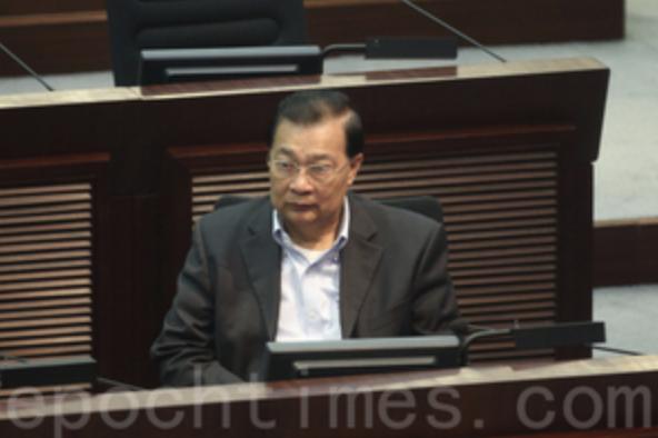 港共政府陰招 先DQ再延期選舉 趕民主派議員出局