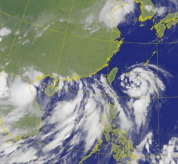 長江、淮河流域洪水尚未全退,但中國近日又面臨哈格比、辛樂克雙颱風接連來襲。(圖擷取自台灣中央氣象局)