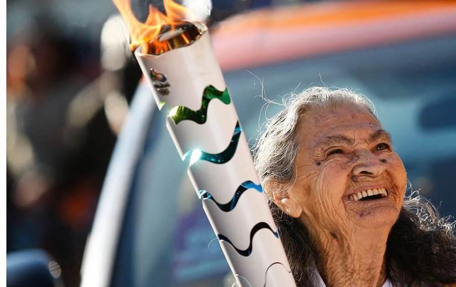 3名百歲老太為里約奧運傳火炬 分享長壽奧秘