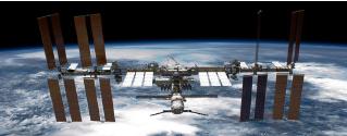 美太空人搭乘「龍飛船」返回地球