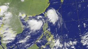 中國南方沿海雙颱風來襲 北方黃河開閘洩洪
