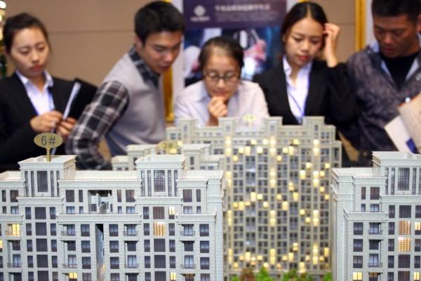 中國年輕人墜入債務深淵 一場嚴重危機迫近?