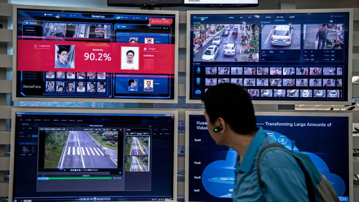 中共試圖通過人工智慧(AI)技術,把整個中國大陸打造成一個「全景監獄」,以監控中國公民的一舉一動。(Kevin Frayer/Getty Images)