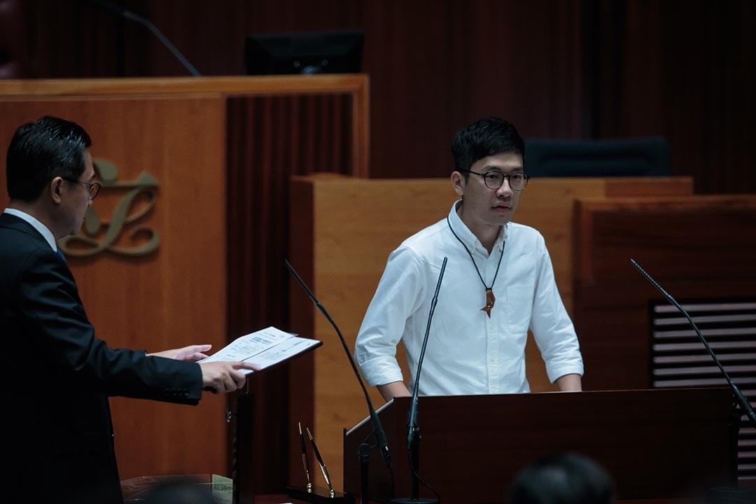 羅冠聰在Facebook就通緝令發文回應,「欲加之罪,何患無辭?」,將一如既往地主張香港應有民主,即使被通緝都不會改變。(羅冠聰Facebook)