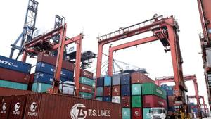 中共強制中港貨車裝GPS 數據直送大陸監管系統 蔣志偉斥當局「大石砸死蟹」